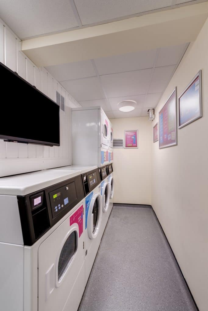 student-laundry-facilities-host