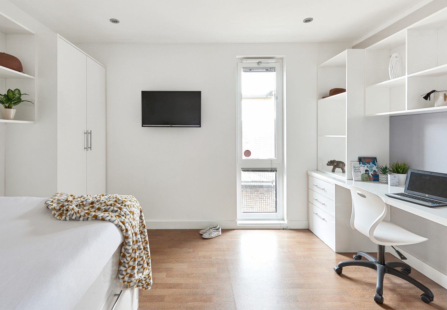 Host Hope Street Apartments Premier En-suite Plus in a 13 Bed Apartment student room in Liverpool