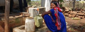 Patna-Village,-India,-HB-Oct-2018-(5)_Rekha-collecting-water