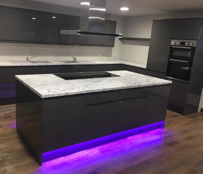 show flat with the kitchen