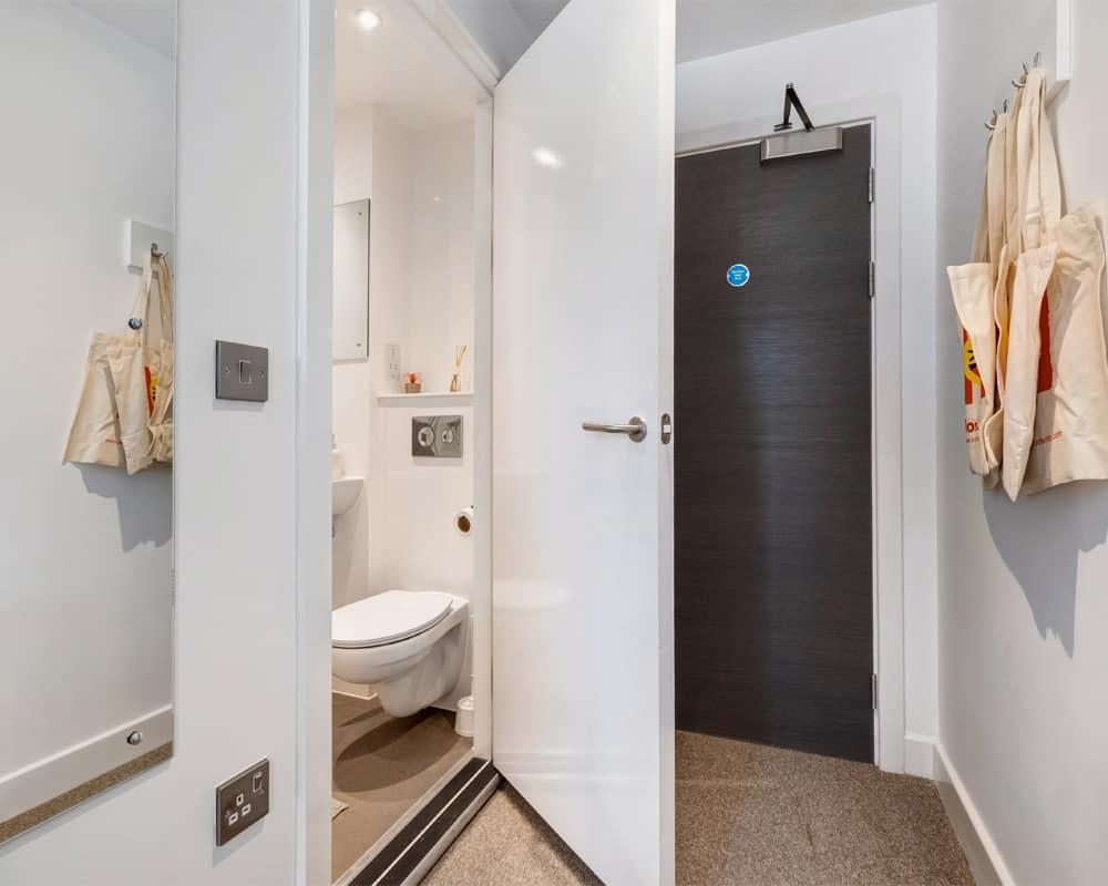 27 Magdalen street bathroom