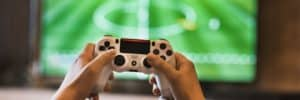 playing-games-console-during-coronavirus