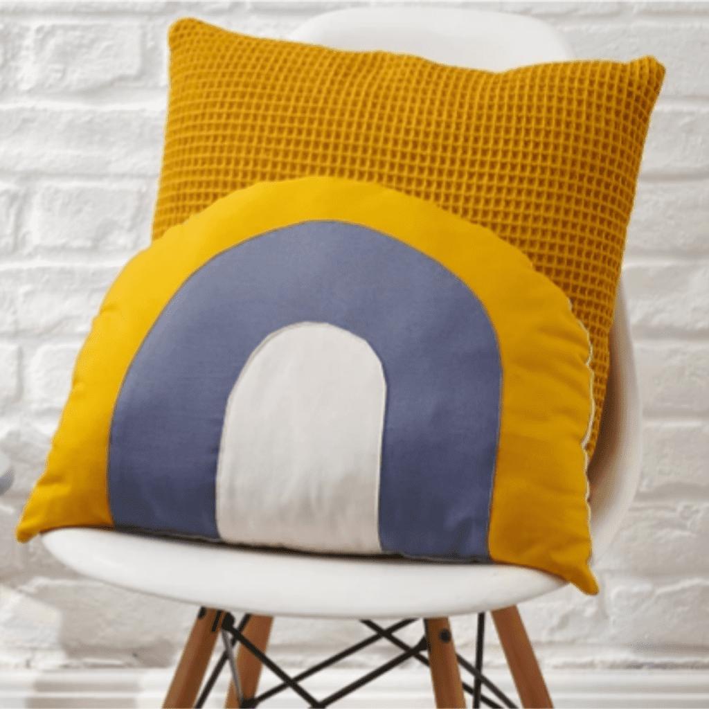 CreativeThursdays - Pillow