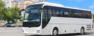 coach-travel-through-city
