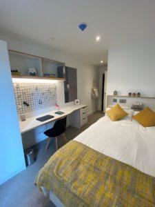 silver-ensuite-bedroom