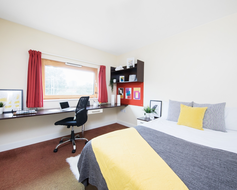host-heantun-point-student-accommodation-wolverhampton-en-suite-room-4-1000x800