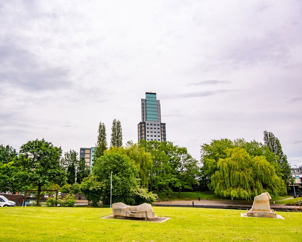 host-heantun-point-student-accommodation-wolverhampton-outside-1-1000x800