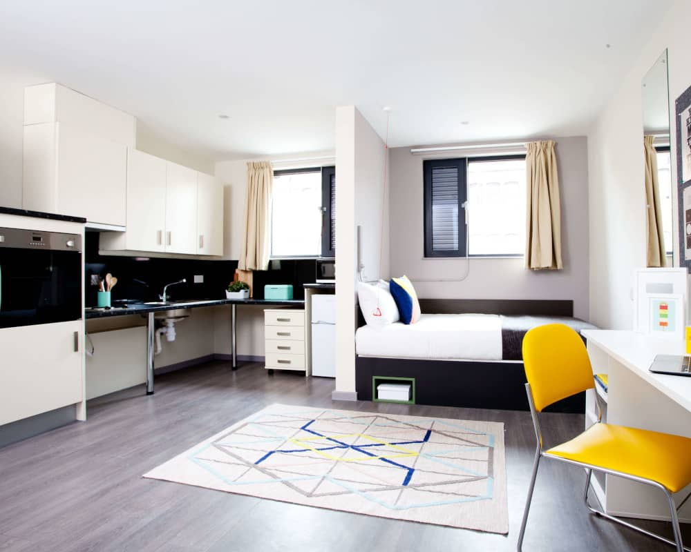 host-student-accommodation-coventry-room-4-1000x800