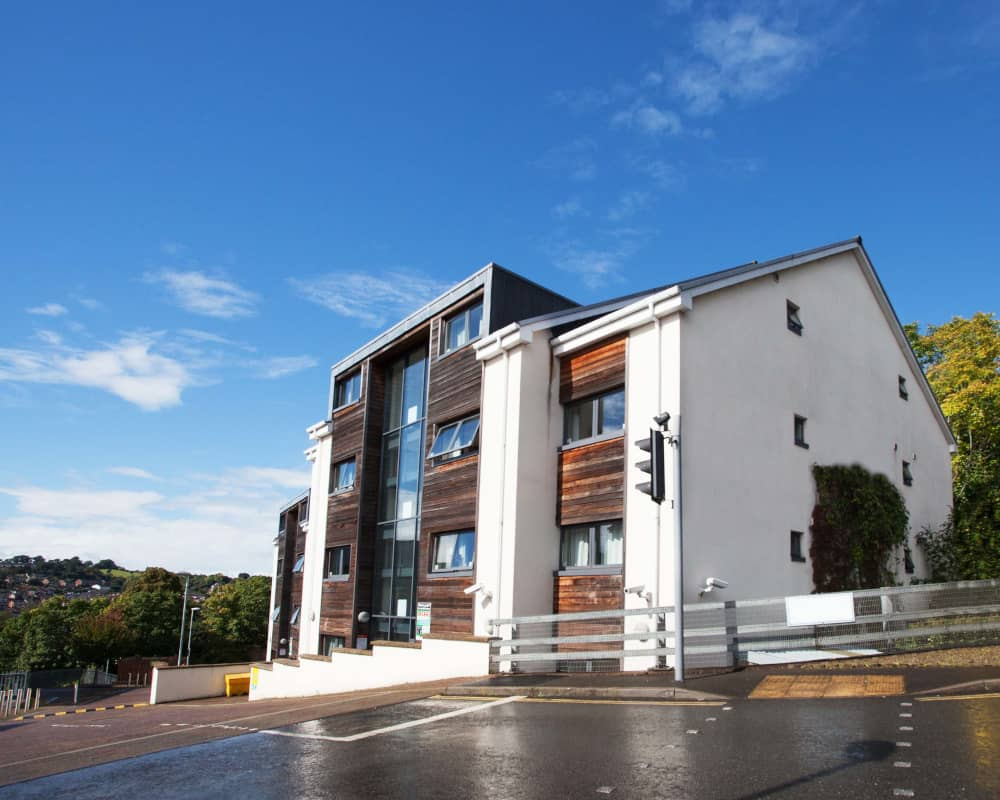 host-student-accommodation-exeter-2-external-building-1000X800