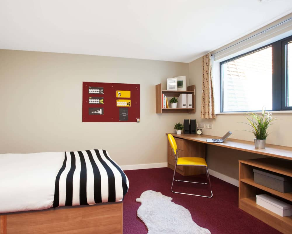 host-student-accommodation-exeter-2-room-4-1000X800