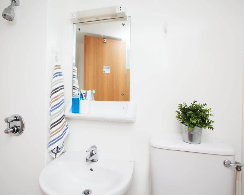 host-student-accommodation-exeter-reception-1000x800