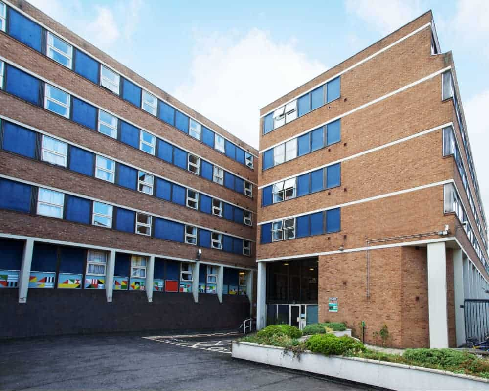 host-student-accommodation-exeter-external-building-a-1000x800