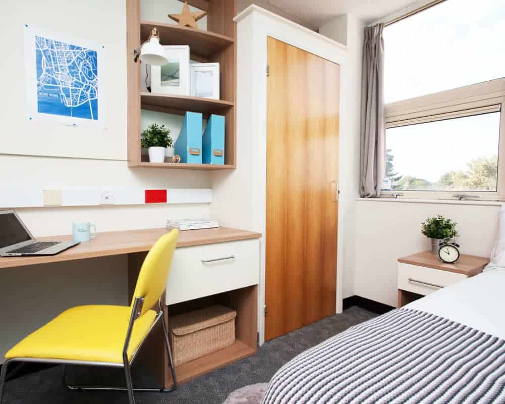 host-student-accommodation-exeter-external-building-a-1440x550