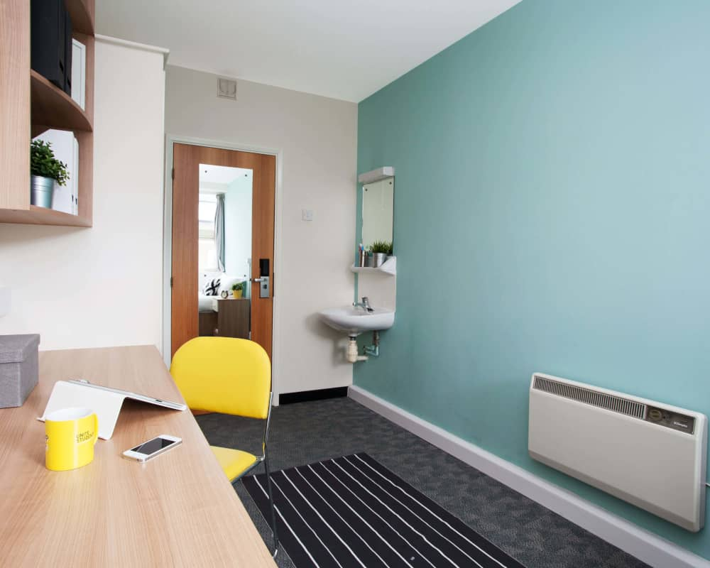 host-student-accommodation-exeter-room-3-1000x800