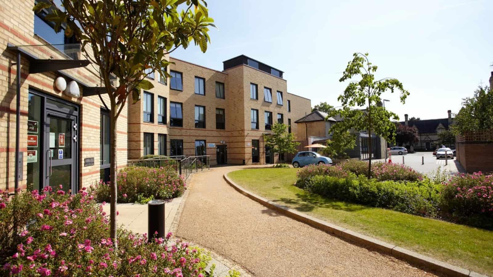 Cambridge cb1 summer accommodation
