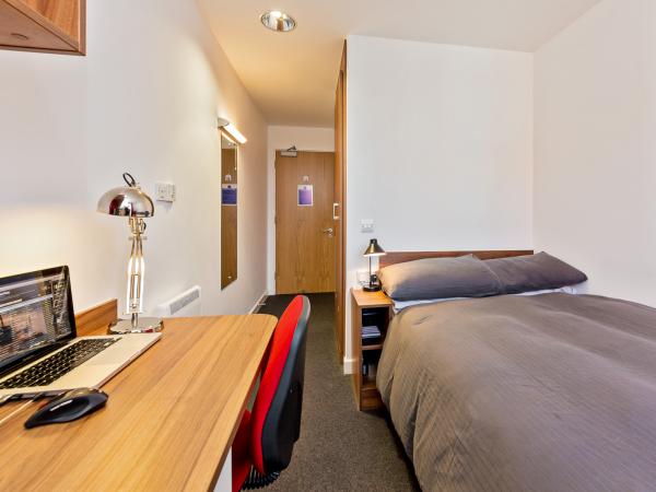 Host Apollo Works En-Suite Room