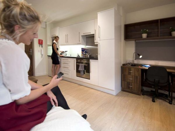 Host The Printworks 1 Bedroom Apartment