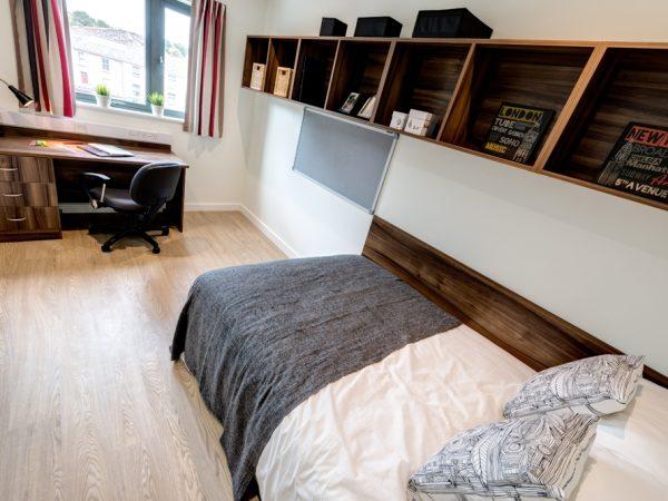 Host The Printworks En-suite Room