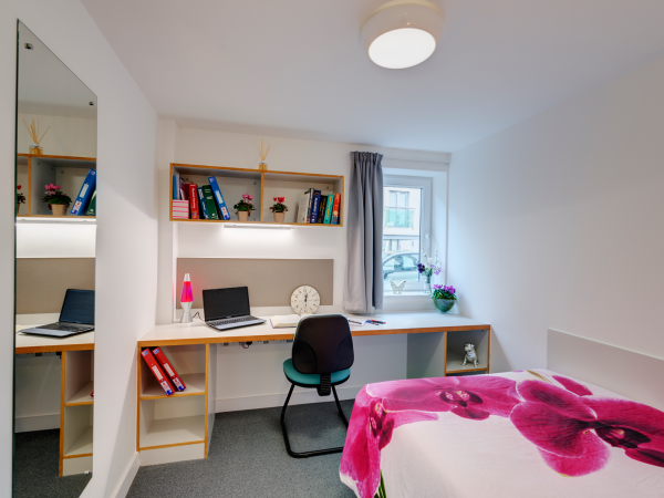 Host The Old Dairy Premium En-suite room in Plymouth