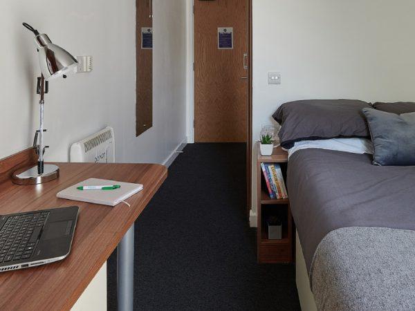 Host ApolloWorks en-suite room