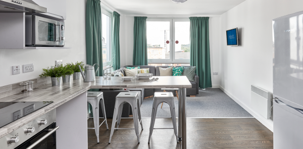 Host The Glassworks Premium En-suite DMU student room in Leicester - shared kitchen