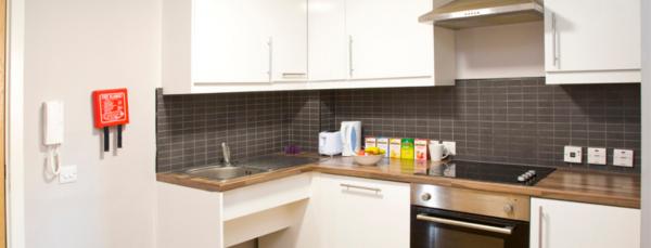 the_mews_1440x500_shared_kitchen_2
