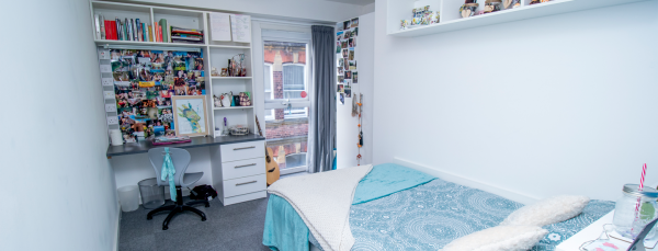 Host Frobisher House Large En-suite room in Plymouth
