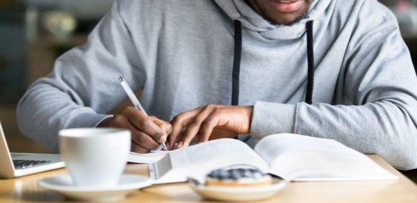 writing university assignment