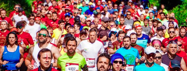 Crowd-of-Male-and-Female-Runners