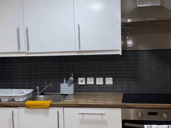 the_mews_1440x550_studio_kitchen
