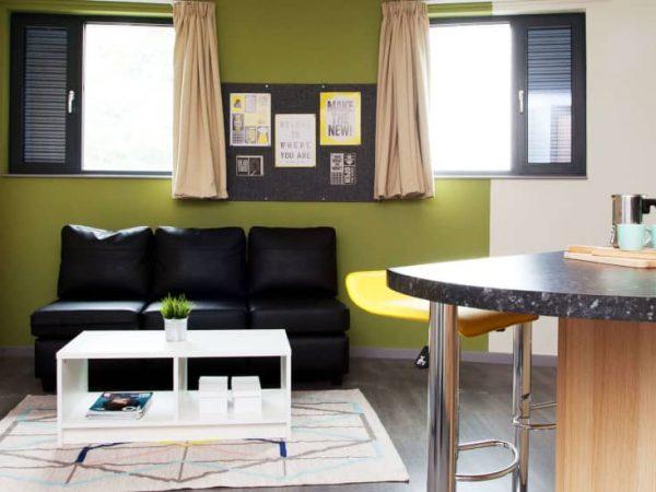 host-student-accommodation-coventry-kitchen-3-1440x550