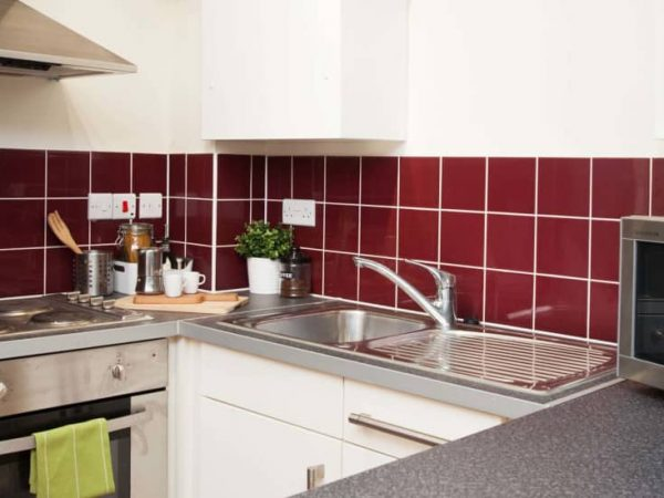 host-student-accommodation-exeter-2-kitchen-1-1440x550