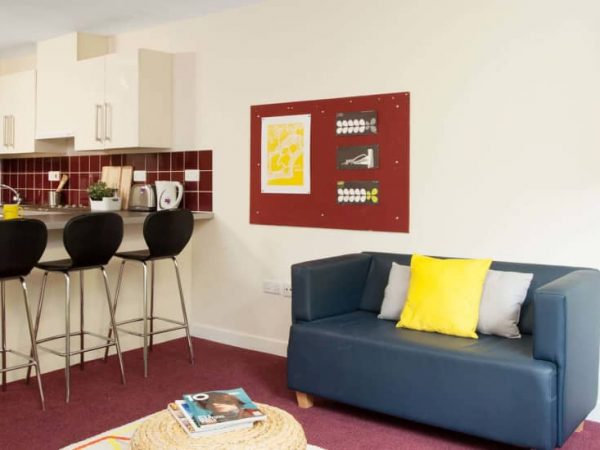 host-student-accommodation-exeter-2-kitchen-2-1440x550