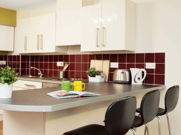 host-student-accommodation-exeter-2-kitchen-3-1440x550