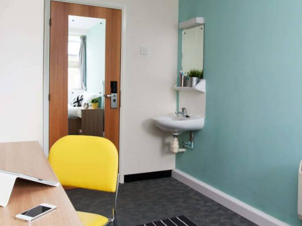 host-student-accommodation-exeter-room-3-1440x550